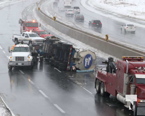Tanker Truck Rollover Shuts Down Highway 401 at Brighton - Video